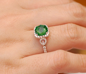 emerald-gemstone-rings